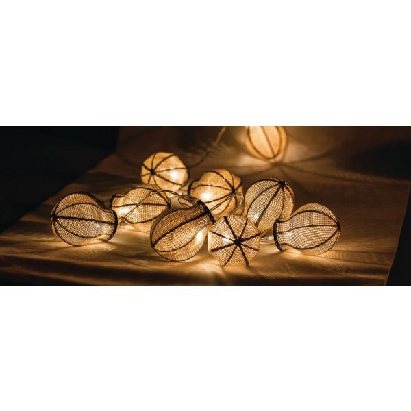 Fila di 10 lampadine a LED